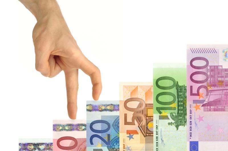 ECB vadovas kritikuoja reitingų agentūrų oligopoliją