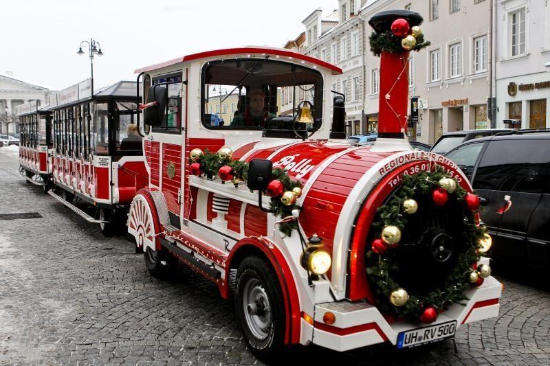 Dėl švenčių ir šalčių sugedo Kalėdų traukinukas