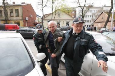 D.Kedžio draugui skirta 200 litų bauda už nusišlapinimą ant policijos pastato