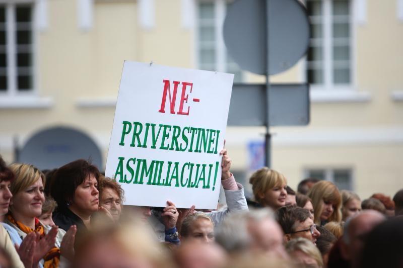 Lenkijos lietuviai kreipėsi į premjerus dėl prastėjančios padėties