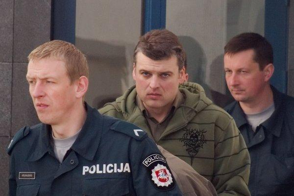 Išžaginimu kaltinamam felčeriui siūloma skirti 11 metų nelaisvės bausmę