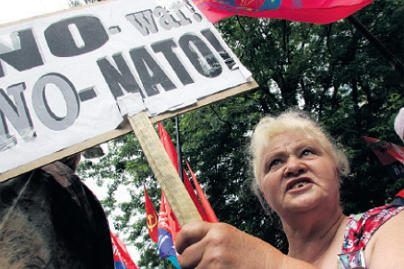 NATO užsienio reikalų ministrai aptars Aljanso reformą, santykius su Rusija ir situaciją Afganistane