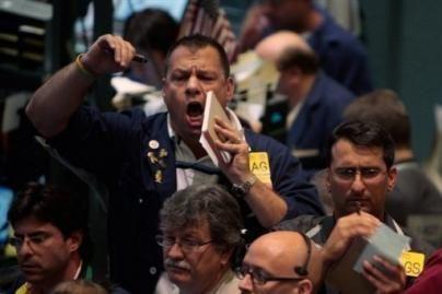 JAV akcijų biržoje tęsiasi sumaištis