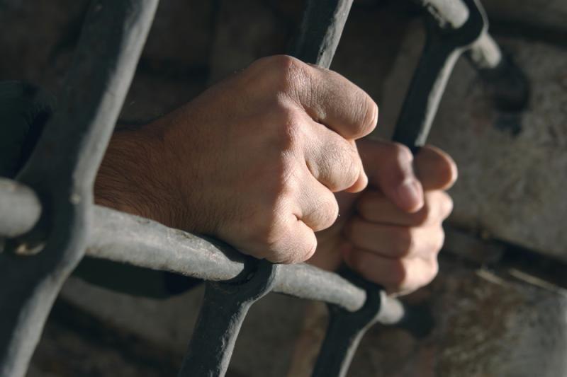 Pataisos namuose kalinčiam sūnui tėvas nešė narkotikų