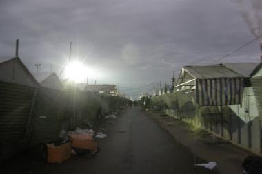 Be elektros likę Gariūnų prekybininkai laukė patekančios saulės