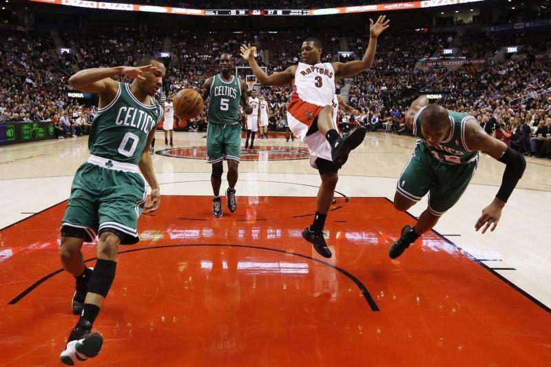 """""""Raptors"""" suklupo prieš tiesioginį varžovą dėl patekimo į kitą etapą"""
