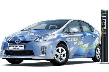 """""""Toyota Prius plug-in"""" Europoje pasirodys 2010 metais"""