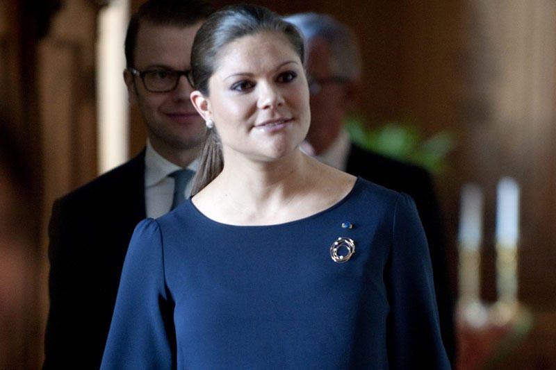 Švedijos sosto įpėdinė Victoria pagimdė dukrytę