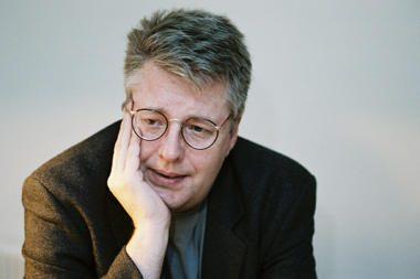 """Rašytojas S.Larssonas tapo pirmuoju """"Kindle"""" milijonierių klubo nariu"""