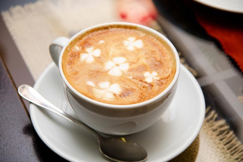 Išaugus kavos aparatų populiarumui, daugėja darbo ir jų meistrams