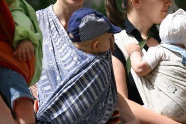 Sutuoktinių vaikus įvaikino ir dvi moterys