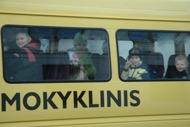 Moksleivius vežios šimtai naujų autobusų