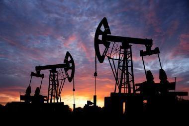 Prognozuojamas naftos kainų smukimas