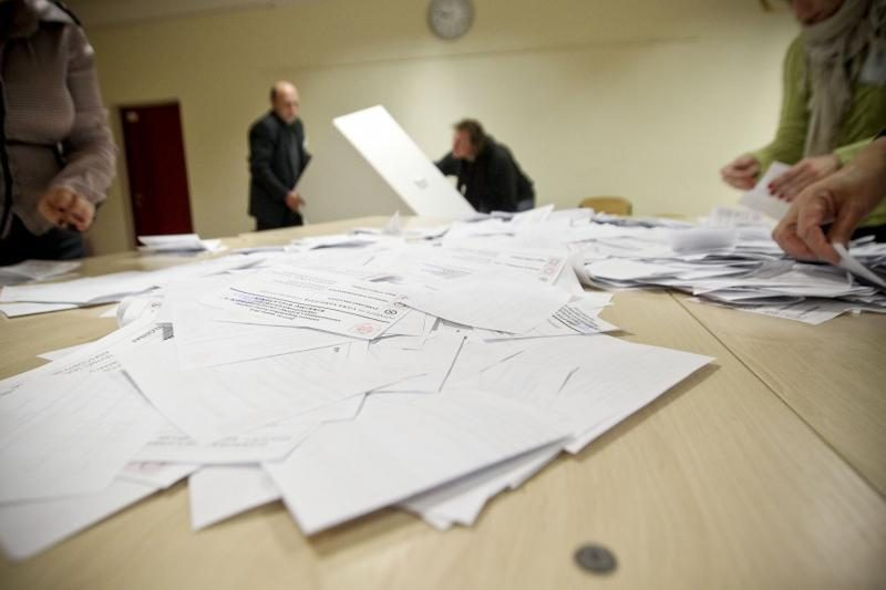 Čekijos prezidento rinkimuose - aristokrato ir buvusio komunisto kova