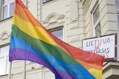 """Diplomatas: kodėl į gėjų paradą reaguojama, o į """"Lietuvą - lietuviams"""