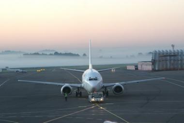 Lėktuvai Lietuvoje nekils ir nesileis bent iki 15 val. (dar papildyta)