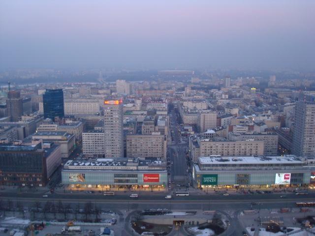 Radus karo laikų sprogmenį, evakuotas Lenkijos centrinis bankas