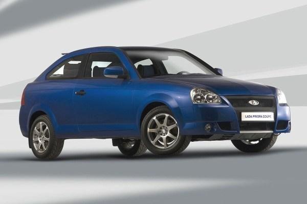 """""""Lada Priora Coupe"""": gamintojui – hečbekas, vairuotojui – kupė"""