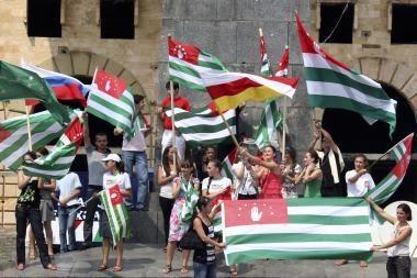 Separatistinės Abchazijos viceprezidentas sužeistas per pasikėsinimą