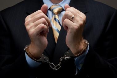 Dėl kyšininkavimo Šiauliuose sulaikytas Kalėjimų departamento pareigūnas