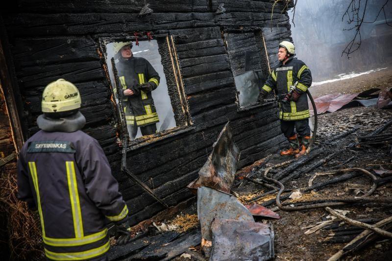 Sekmadienio rytą per gaisrą Vilniuje žuvo vyras