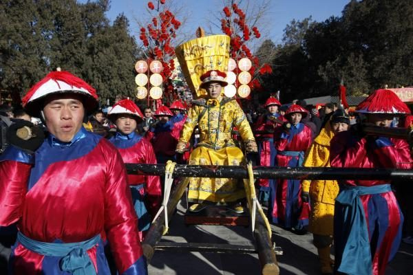 Kinai Naujuosius metus pasitiko kalambūrais su politiniu atspalviu