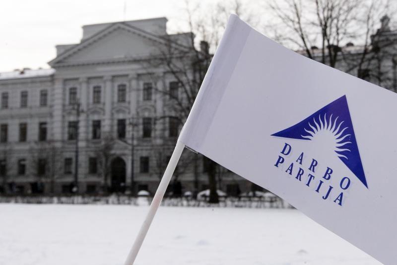 """Politinius perbėgėlius """"darbiečiai"""" siūlo vyti iš Seimo"""