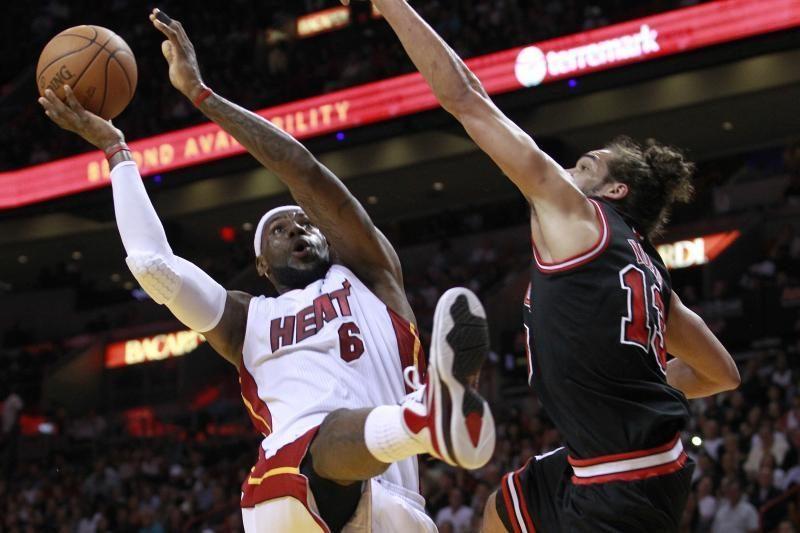 """NBA lyderiai pralaimėjo L.Jameso vedinai """"Heat"""" komandai"""