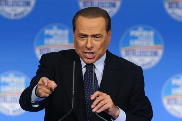 """S.Berlusconi teismo liudytoja pasakoja apie """"Bunga bunga"""" vakarėlį"""