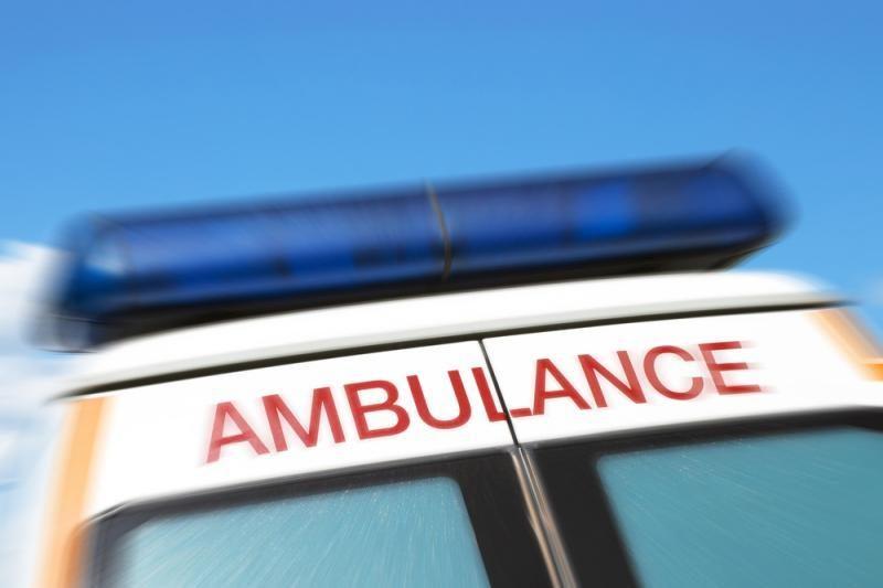 Į vilkiką atsitrenkus automobiliui nukentėjo neblaivūs keleiviai
