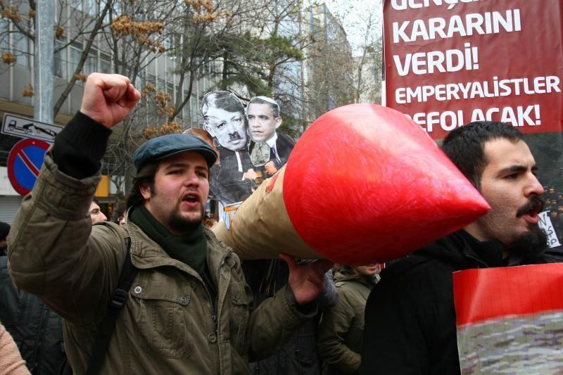"""Turkiją pasiekė pirmosios raketos """"Patriot"""""""