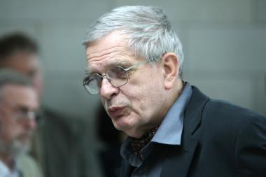Prof. Tomui Venclovai bus įteiktos VDU Garbės daktaro regalijos