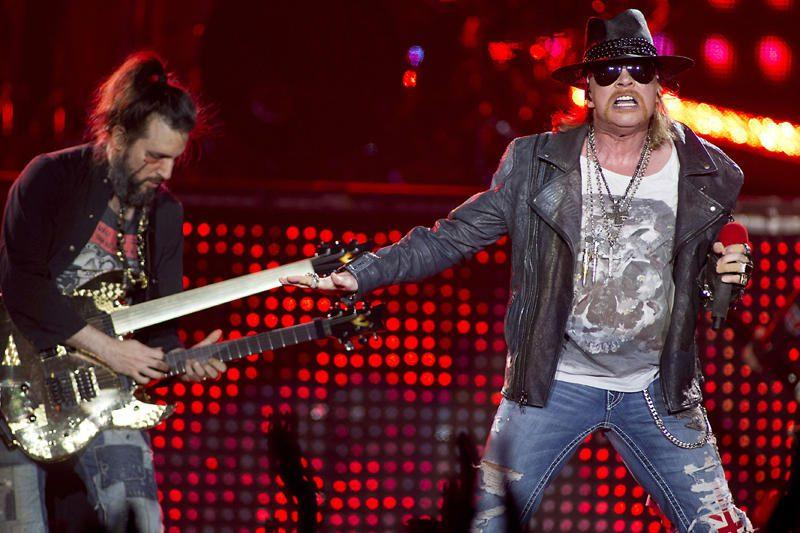 """Vagys iš """"Guns n' Roses"""" dainininko pavogė auksą ir deimantus"""
