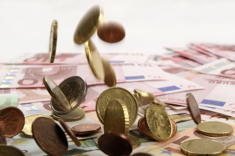 Euro kritimą dar labiau spartina Italijos problemos
