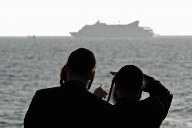Į lietuvių jachtą valandą buvo nutaikytas Izraelio pasieniečių kulkosvaidis