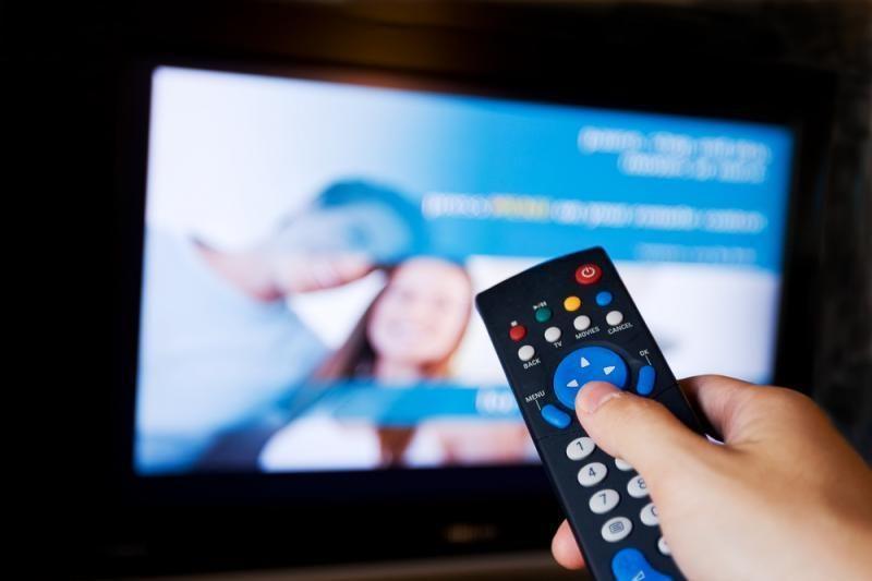 Šimtai tūkstančių žiūrovų, išjungus analoginę TV, gali likti be vaizdo