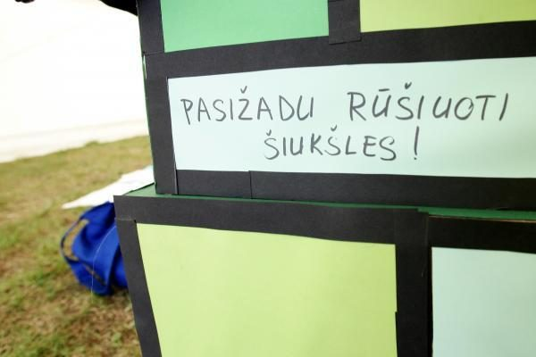 Kodėl Vilniuje rakinami buitinės technikos konteineriai?