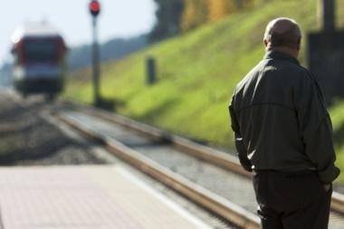 Britanijoje pora nubausta už tai, kad per anksti išlipo iš traukinio