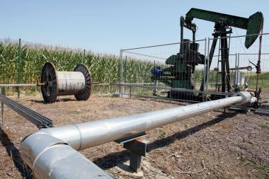 Naftos kainos Azijoje laikosi aukščiau 100 JAV dolerių už barelį