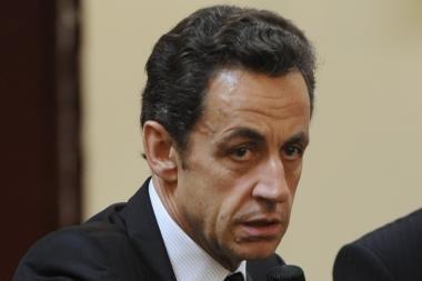 Dėl romų išsiuntimo smerkiamas N.Sarkozy pažadėjo išardyti