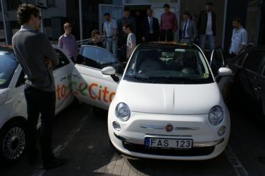 Vilniuje pradeda veikti dalinimosi automobiliu paslauga