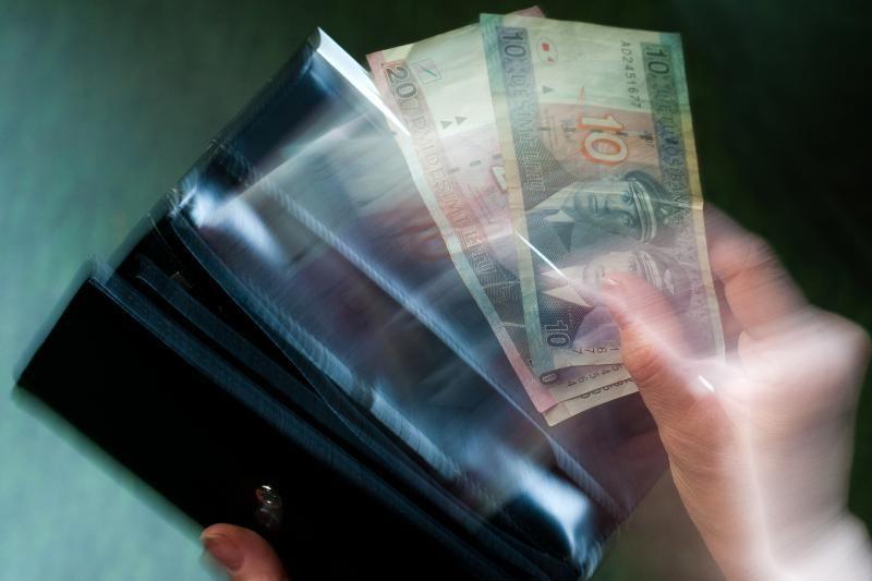 Pirkėja uostamiesčio parduotuvėje paliko piniginę su tūkstančiais