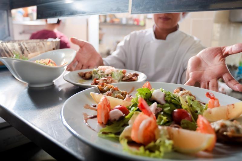 Prancūzijos restoranuose du patiekalai – už vieno kainą