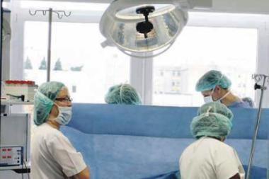 Gydytojų rezidentų algos mažinamos 10 proc.
