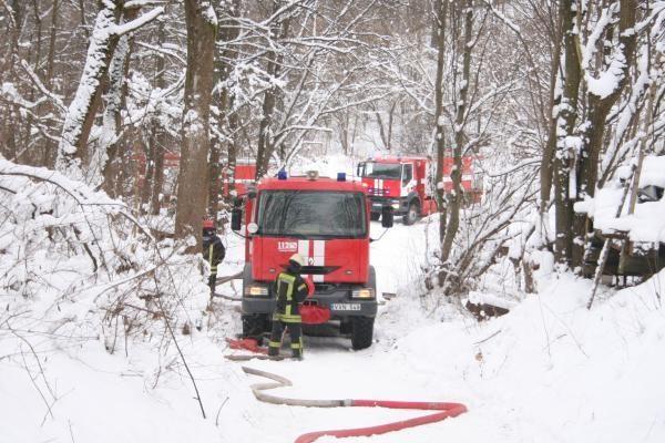 Dėl gaisro Žemuosiuose Paneriuose sustabdytas traukinių eismas
