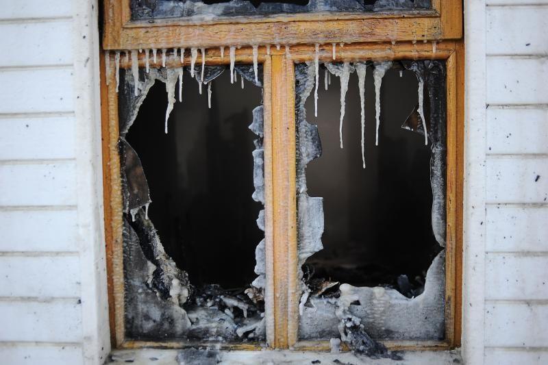 Gaisras Babtuose: namo viduje įkalintos senolės išgelbėti nepavyko
