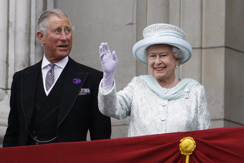 D.Britanijos princui Charlesui suteikti aukščiausi kariniai laipsniai