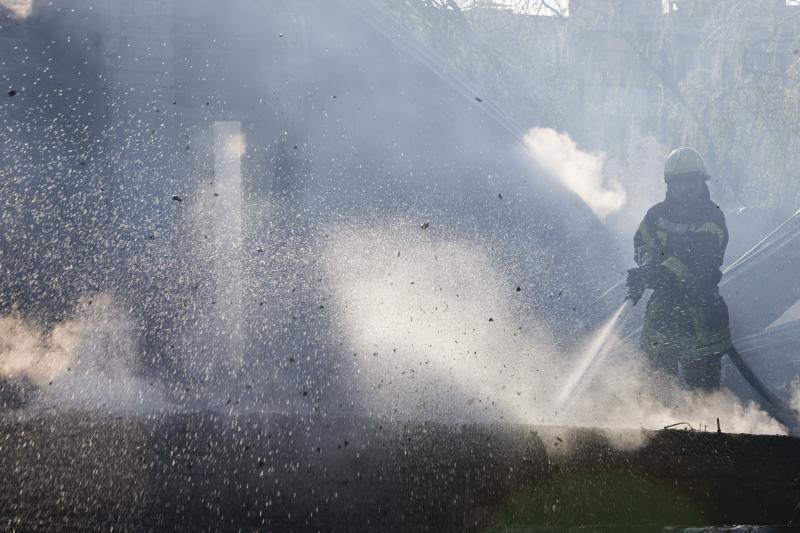 Jurbarke padegtas klebonijos ūkinis pastatas