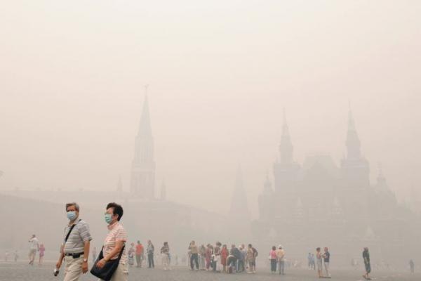 Smogas trukdo visų Maskvos oro uostų darbą