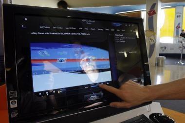 Kuriami nešiojamieji kompiuteriai su lietimui jautriais ekranais